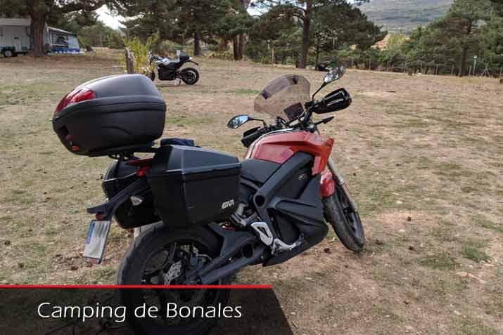 Camping Bonales en moto eléctrica