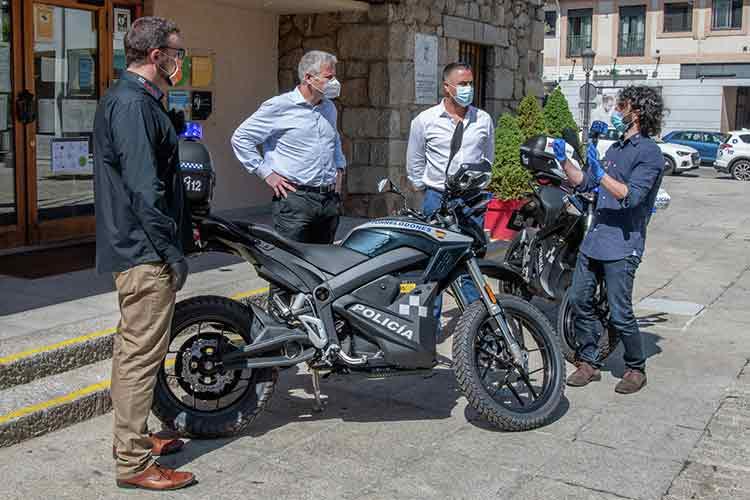 Zero moto eléctrica policía
