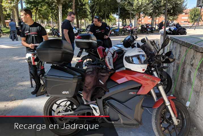 Carga autonomía maxima moto eléctrica